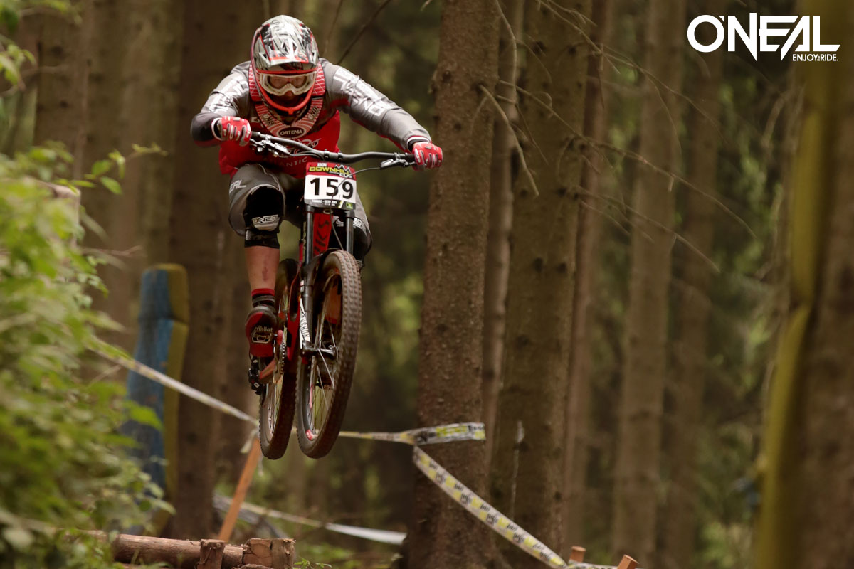 Jan Flor and Max Hartenstern are the 2016 German MTB Downhill Champions in the U17 and U19 category.